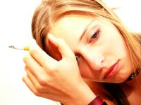 Nikotinsucht bedeutte die Gewöhnung und Abhängigkeit an den Stoff Nikotin. Ein Großteil der Raucher wünscht sich aufzuhören