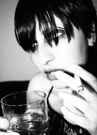 Den meisten Menschen fällt es schwer ihre Abhängigkeit von stofflichen oder nicht-stofflichen Drogen einzusehen