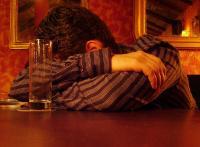 Co-Abhängige Menschen suchen meist die Opferrolle und fühlen sich in einer aussichtslosen Position.