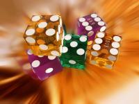 Ist eine Person spielabhängig verschuldet sie sich teilweise in hohem Maß um dem Spielzwang nachkommen zu können.