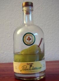 Eine Flasche Williams Christ Obstbrand, Import aus Frankreich