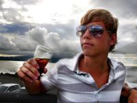 """Cola statt Bier: als Anti-Alkoholiker steht man mindestens beim """"Coming-Out"""" stark im Mittelpunkt"""