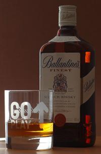 Whisky ist ein alkoholisches Getränk mit etwa 40 bis 46 Volumenprozent Alkohol.