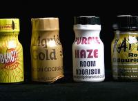 Diverse Poppers-Flaschen.