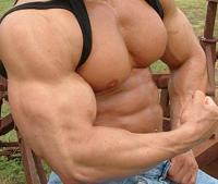 Wer unter dem Adoniskomplex leidet, strebt nach immer mehr Muskeln.