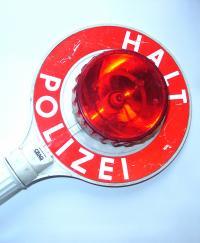 In Deutschland gilt beim Autofahren die 0,5-Promillegrenze. Verstöße können die Betroffenen nicht nur mehrere hundert Euro, sondern im schlimmsten Fall ihr Leben kosten