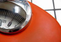 Der Körpermasseindex bewertet das Körpergewicht eines Menschen. Oftmals veranlasst er einen kritischen Blick auf die Waage